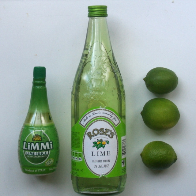 Fresh limes aren't always available and when they are, they are sometimes uber expensive -- like R49 or about 5 teeny tiny limes. So, here are two lime fresh juices alternatives.