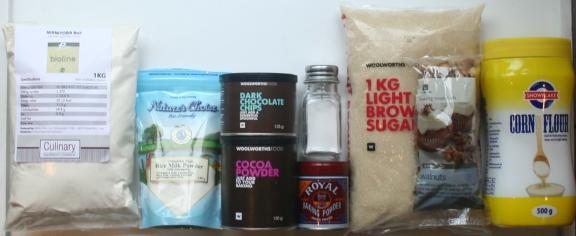 Dry Ingredients: Flour - Powdered Milk - Cocoa - Chocolate Chips - Salt - Baking Soda - Sugar Walnuts - Corn Flour (Corn Starch)