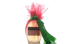 Label the bottle and decorate in holiday style!